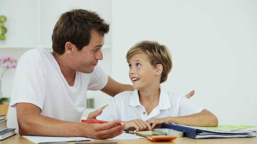 Développez l'esprit critique de vos enfants